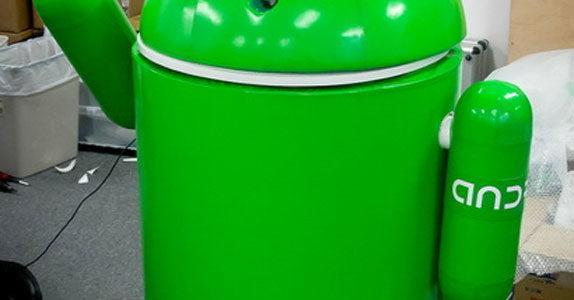 Android robot sa Android OS-om
