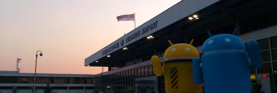 Androidi na aerodromu