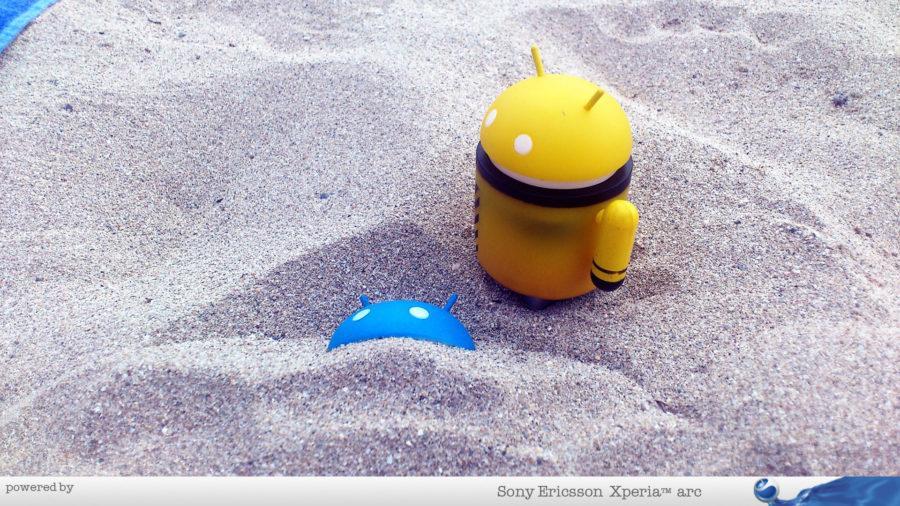 Androidi na pesku