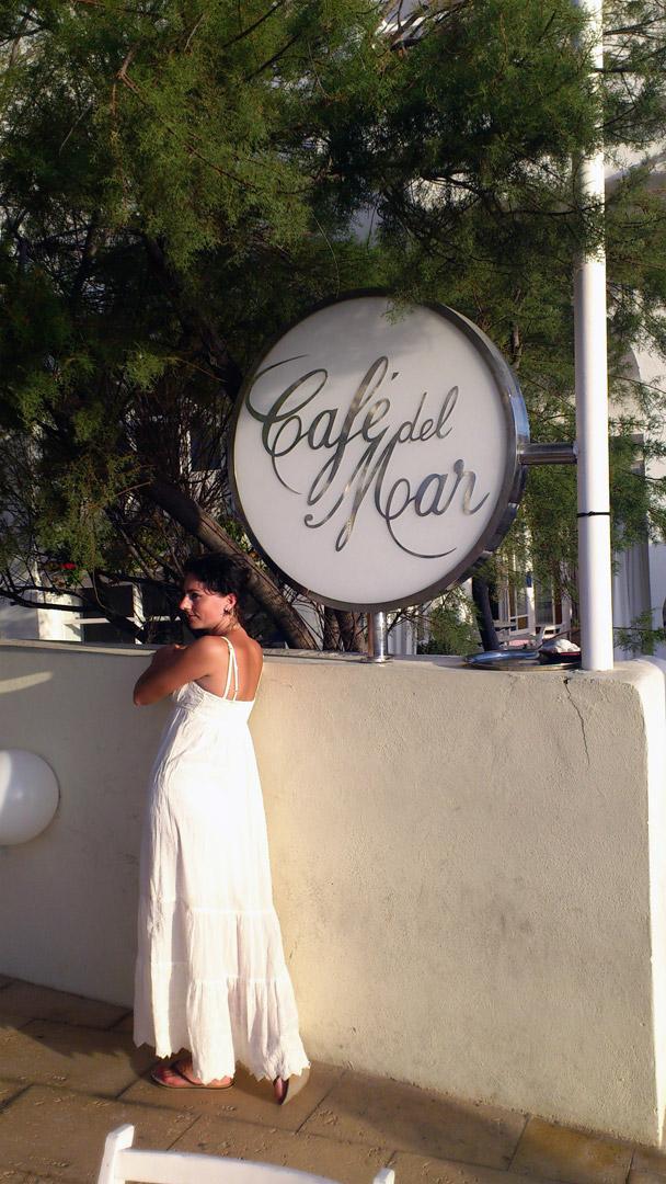 cafe del mar woman