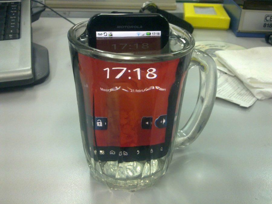 motorola-defy-plus-water-resistant-smartphone